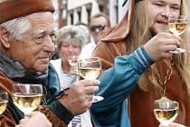 Znojemské historické vinobraní začalo tradičně otevíráním mázhauzů.