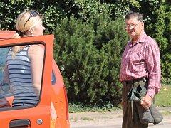 Již čtvrté volební období pracuje pro obec Bohuslav Klouda (vpravo).