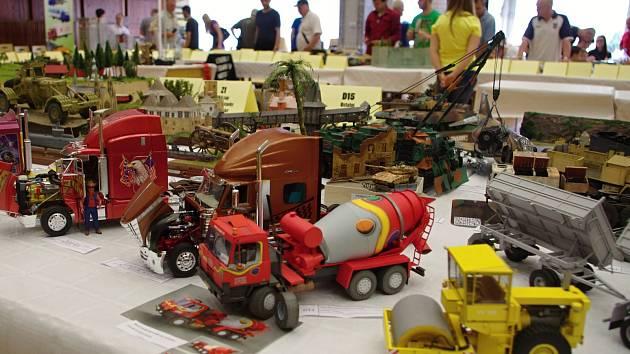 Desáté znojemské Modelbraní nabídlo víc než čtyři stovky rozmanitých modelů.