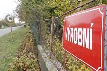 Průmysl v Krystal parku zatím naznačuje jen název ulice v sousedství.