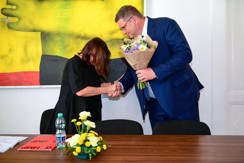 Zastupitelé hl. m. Prahy napříč politickým spektrem potvrdili ve čtvrtek 17.6.2021 dřívější rozhodnutí pražských radních o uzavření smlouvy o výpůjčce na dobu pěti let.
