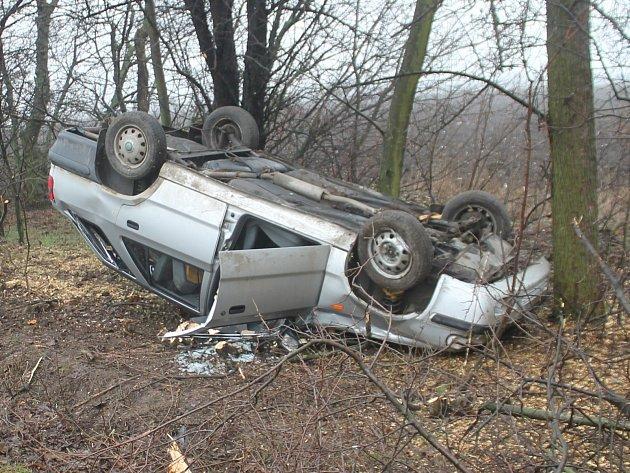 Nehoda se stala na silnici mezi Načeraticemi a Vrbovcem.