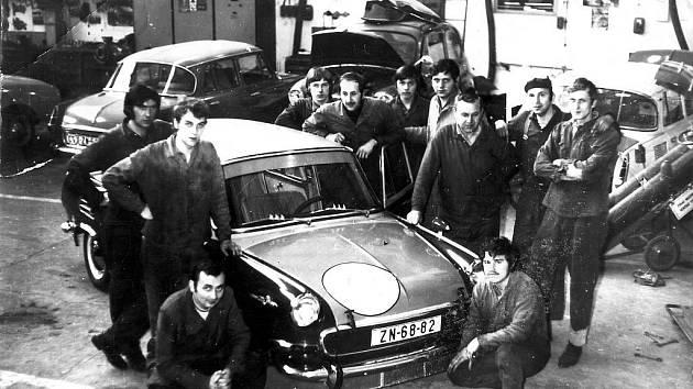 Už od roku 1970 funguje na Vídeňské ulici ve Znojmě autodružstvo. Prošly jím desetitisíce škodovek i jiných aut.