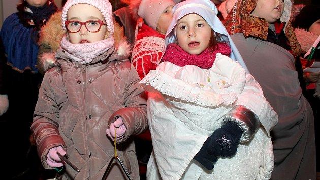Znojemsko zpívalo koledy: připojila se tisícovka lidí, od čtyř do devadesáti let