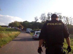 Policisté ukončili v Únanově technopárty