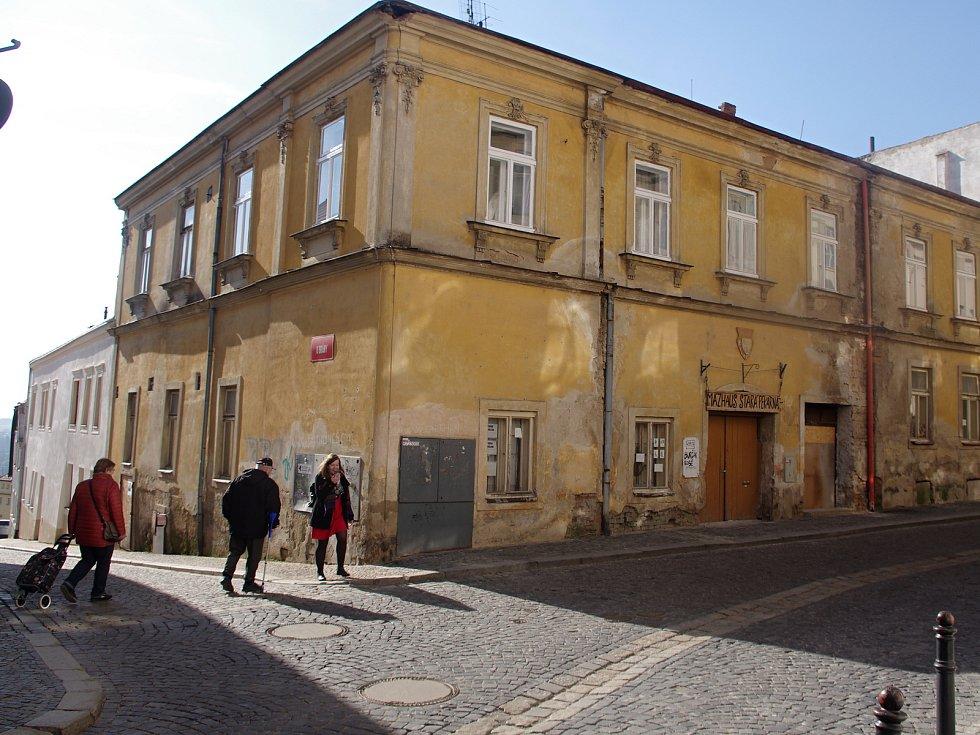 Původem středověký dům, nazývaný Stará pekárna, ve Velké Mikulášské ve Znojmě.