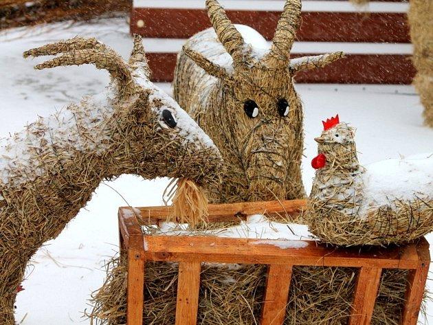 Velikonoční trhy letos připomínají trochu ty vánoční. Jakoby měl advent teprve přijít.