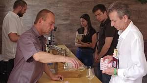 Vinaři otevřeli sklepy, sladká vína chutnala i pánům