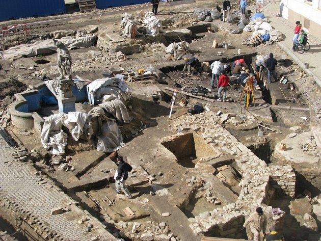 Archeologické vykopávky na Václavském náměstí ve Znojmě