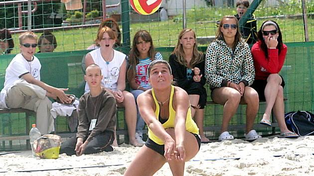 Mistrovství ČR žactva v beachvolejbalu se uskutečnilo ve Znojmě.