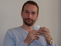 Rodák ze Znojma Richard Stehlík nabízí kavárnám vlastní značku kávy Cafe d´Elvert.
