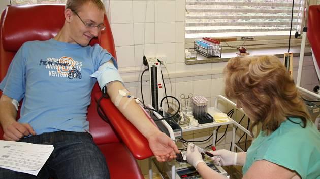 Krumlovští maturanti darovali společně krev