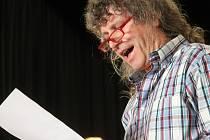 U příležitosti Noci letaratury zazněla poezie ve Štukovém sále Besedy i úryvky z literatuty světových autorů v kavárně Anna. Sál Besedy navíc rozezněla instrumentálně-vokální skupina PF kvintet.