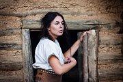 Lucrecia Borgia natáčela klip k projektu Pověst o Obří hlavě.