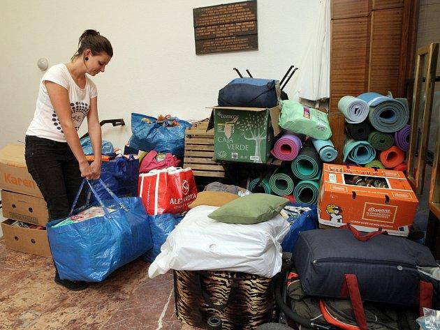 Charitativní sbírka pro uprchlíky. Ilustrační foto.