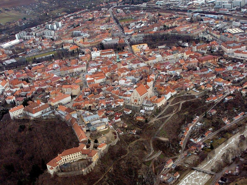 Letecký pohled na Znojmo.