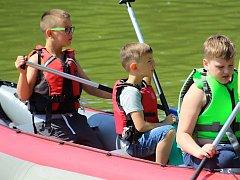 Rybník ve Vrabčím hájku v Moravském Krumlově zažil dětský den v režii tamního vodáckého klubu Gold River.
