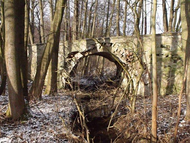 Historický most ve Stálkách na Vranovsku.