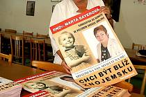 Komunistické poslankyni Bayerové vyhrožuje anonym