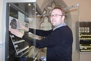 Historik Petr Eckl připravil ve znojemském muzeu výstavu starých mincí. Nazval ji Pecunia non olet, Peníze nepáchnou.