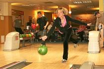 Jednoho z prvních utkání v přímětickém Bowling baru se zúčastnila také Zuzana Škapová z týmu Venezuela.
