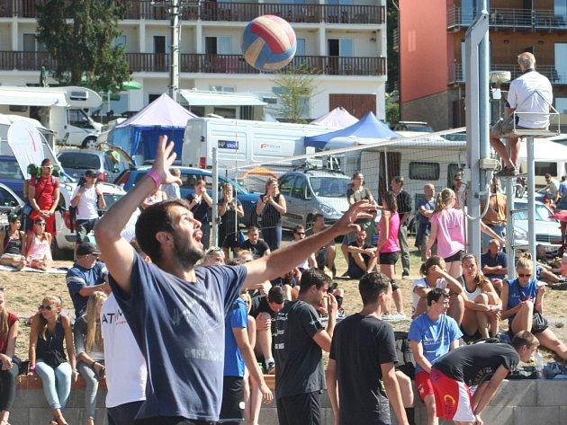 Šestačtyřicátý ročník Vranovského léta je minulostí. Hlavní volejbalový turnaj žen a mužů lákal zase o něco více než v minulém ročníku.