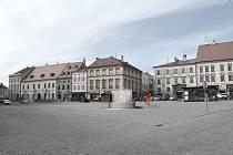 Na Horním náměstí ve Znojmě bude nějaký čas maketa budoucí možné kašny.
