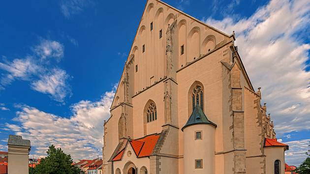 Hlavní znojemský kostel svatého Mikuláše uchovává důstojnost a krásu staletí.