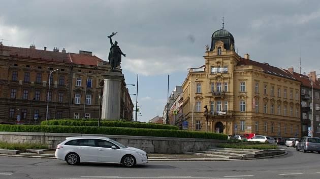 Opravy silnice uzavřou Mariánské náměstí ve Znojmě. Už od pátku