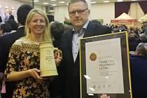 Polotmavý ležák Tesák z bítovského pivovaru získal v Českých Budějovicích bronzovou medaili na soutěži Zlatá pečeť.