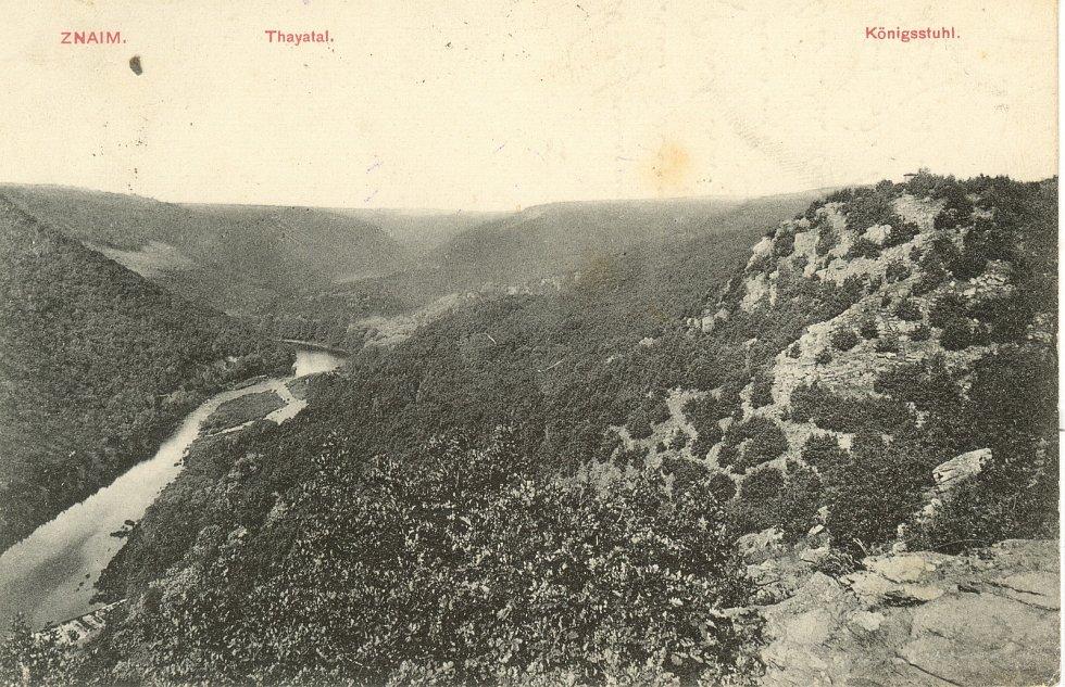 Pohled do údolí pod Královým stolcem historická fotografie z roku 1908.