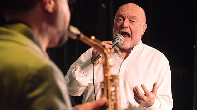 Patron Jazzfestu Peter Lipa.