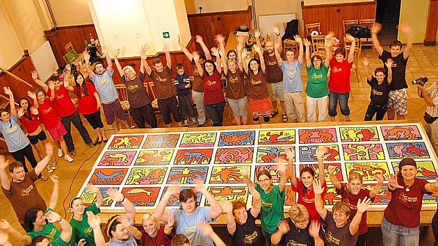 Pokus o rekord ve skládání puzzle v Miroslavi