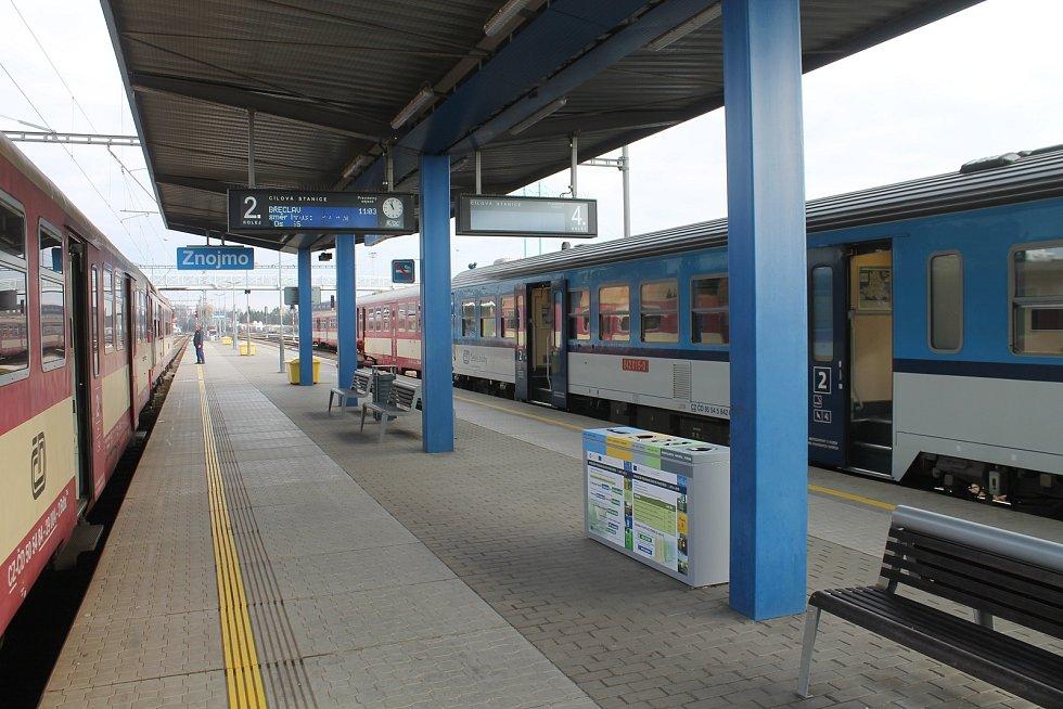 Vlakové nádraží ve Znojmě.
