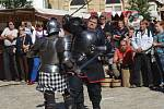 Úderem čtrnácté hodiny odstartoval ve Znojmě dvaadvacátý ročník Znojemského historického vinobraní. Ulice hned zaplnili první návštěvníci a svá vystoupení začali chystat i umělci.