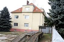 Za sedm a půl milionu korun prodává realitní kancelář budovu bývalé celnice v Jaroslavicích.