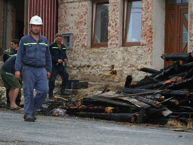 Požár ve Skalici zničil střechu rodinného domu