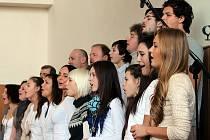 Pěvecký sbor Gospel Port zazpíval v Příměticích.