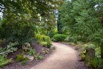 Procházka parkem paláce Blenheim nedaleko Oxfordu v Anglii.