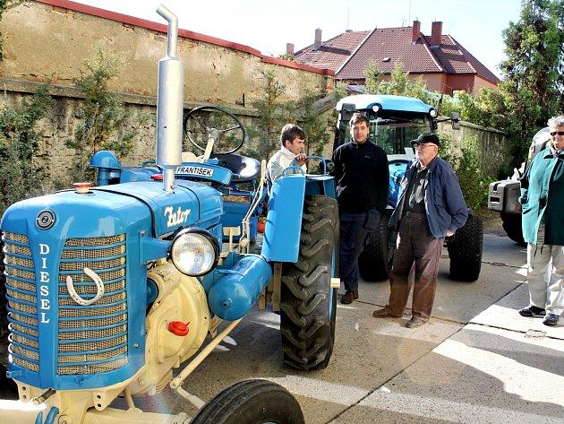 První česko-rakouská zemědělská výstava na Středním odborném učilišti na Dvořákově ulici ve Znojmě.