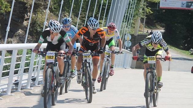 Podeváté se kolem Vranovské přehrady konal cyklistický závod Lahofer Author Cup. Zvítězil Fojtík a organizátoři si vše pochvalovali.