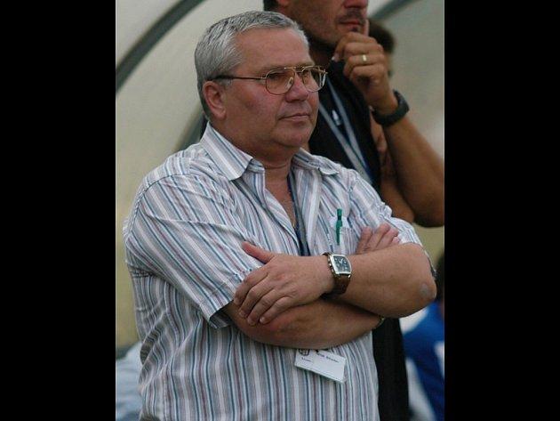 Trenér Jiří Fryš.