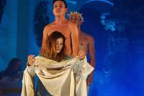 K vrcholům třináctého Hudebního festivalu Znojmo patří inscenace Příběh o Kristu.