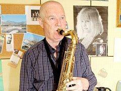Znojemský muzikant a učitel hry na klarinet Karel Fojtík.