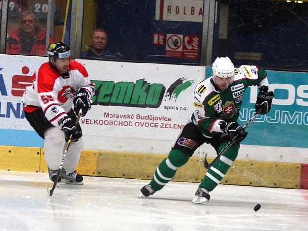 Poslední přípravné utkání sehráli znojemští Orli se slovenskou Skalicí - obránce Richard Pavlikovský.