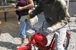První ročník setkání mopedů v Dobšicích