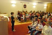 Krumlovská knihovna uspořádala už třinácté pasování čtenářů.