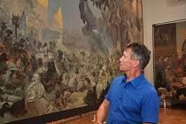 Slavná plátna Muchovy Slovanské epopeje jsou naistalována v zrekonstruované galerii na zámku v Moravském Krumlově.