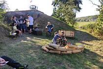 Milovníci vojenské historie připravili u bunkru Úžlabina program u příležitosti akce Světla nad bunkry.