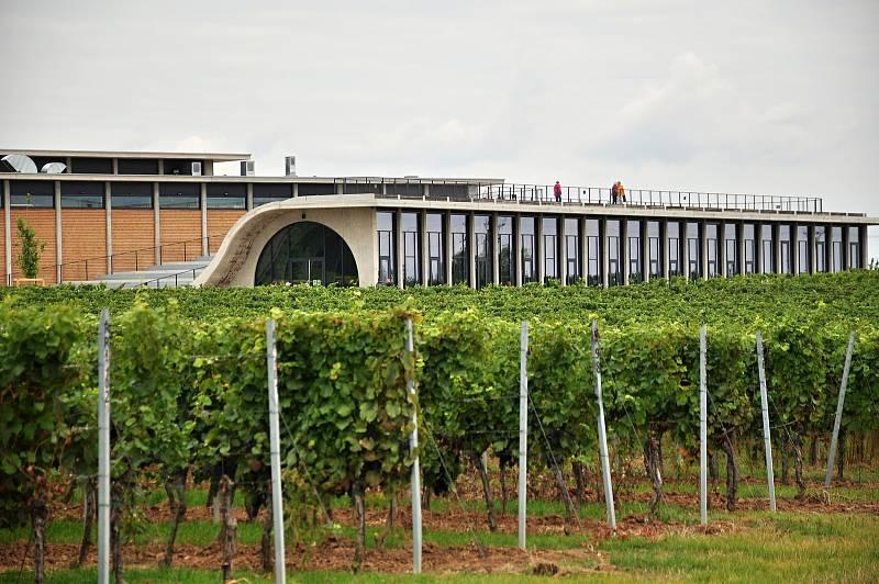 Vinařství Lahofer z Dobšic na Znojemsku se dostalo do finále světové architektonické soutěže MIPIM Awards konané ve francouzské Cannes.